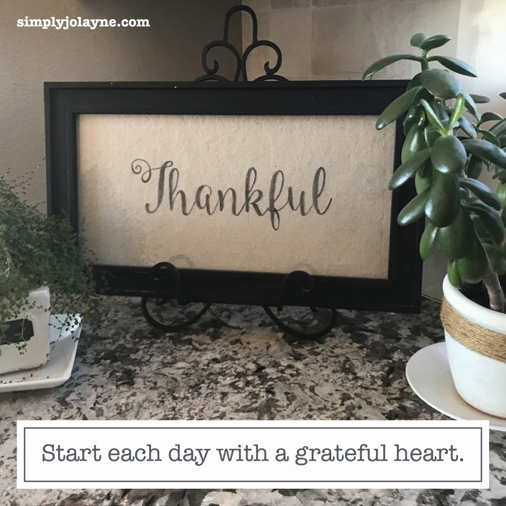 Instagram content quote start each day with a grateful heart