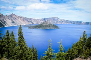 Amazing Deals Crater Lake in Crater Lake National Park in Oregon
